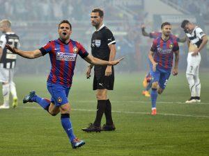 Adrian Popa se bucura dupa golul marcat