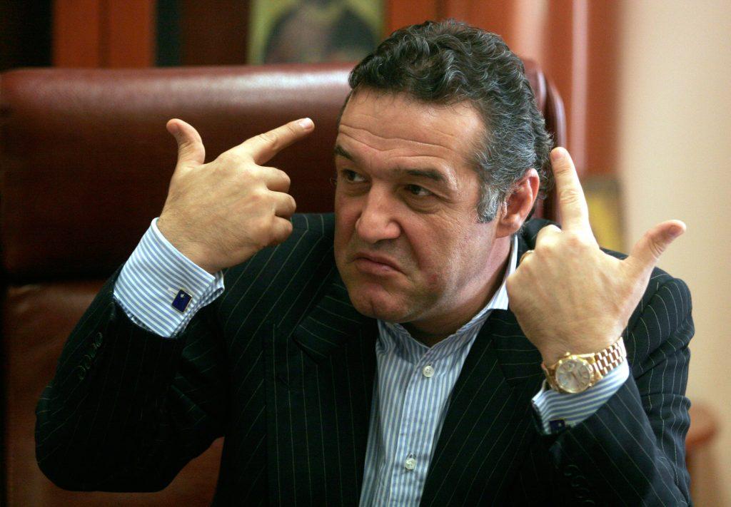 Omul de afaceri Gigi Becali, patronul FC Steaua Bucuresti, a sustinut, marti, o conferinta de presa in legatura cu sechestru asigurator pus pentru a recupera datoriile clubului catre bugetul de stat