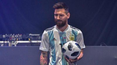 Messi a primit trofeeele pentru cel mai bun jucător din Lal Liga dar și pentru cele mai multe golui înscrise