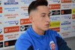 Jucătorul echipei FCSB, Olimpiu Moruţan, a fost suspendat două jocuri şi a primit o penalitate sportivă de 3.000 de lei