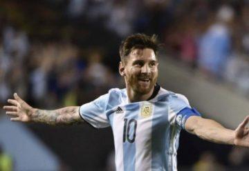 Sergio Busquets îi face statuie lui Messi - Avem plăcerea să îl vedem pe Messi zi de zi la antrenamente
