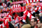 Liverpool negociază un nou contract de sponsorizare cu producătorul de echipament New Balance, pentru o sumă care ar putea depăşi 75 de mil. de lire sterline