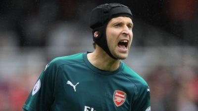 Petr Cech le-a invitat pe jucătoarele echipei Arsenal Londra la cină